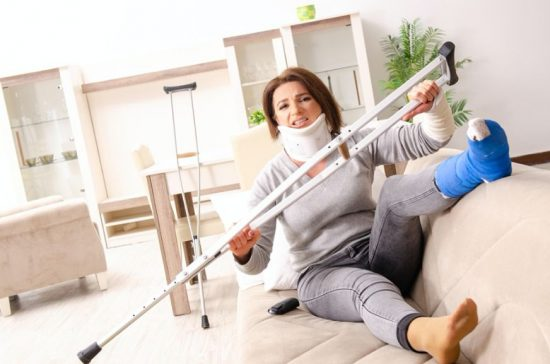 Injured woman with cruches